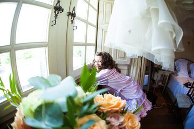 Flowergirl getting ready