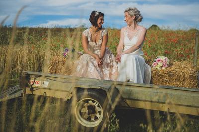 Long Furlong Farm wedding photoshoot