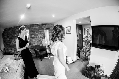 Mother of bride sees bride first time